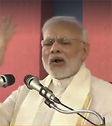 Prime Minister Narendra Modi addressing rally in Kozhikode on Saturday